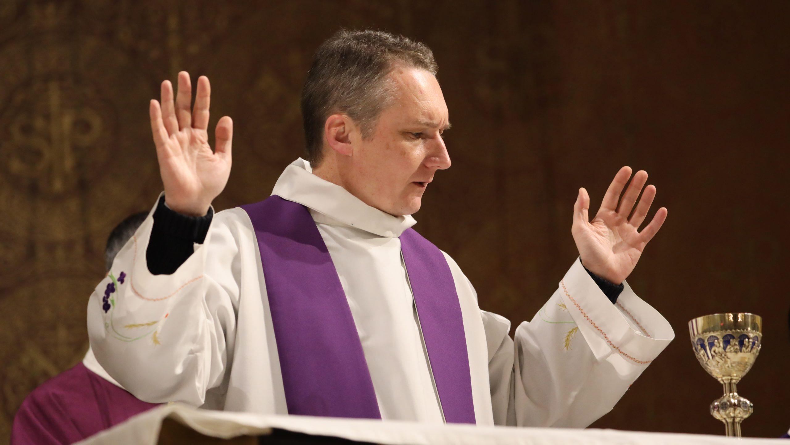 """Dimanche 22 mars 2020: suivez la messe """"en direct"""""""