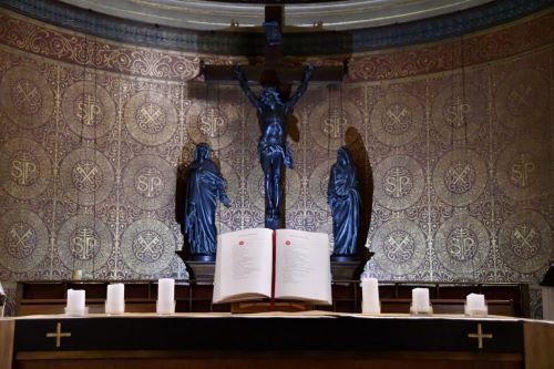 A 6h30 (et 8h20) tous les matins de cette semaine, le Père Marc lira et commentera l'Evangile du jour sur Radio Notre Dame.