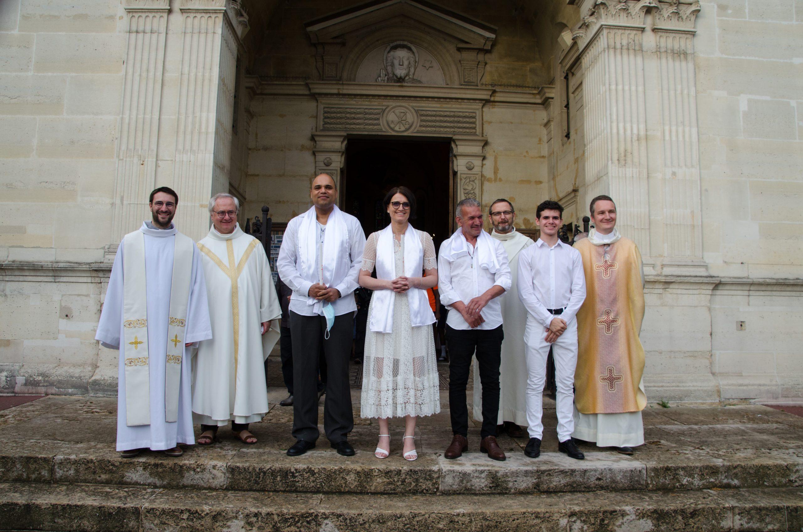 Samedi 27 Juin: baptême et confirmation de Jonathan, Corinne et Aïssa et 1ère communion d'Alexy.