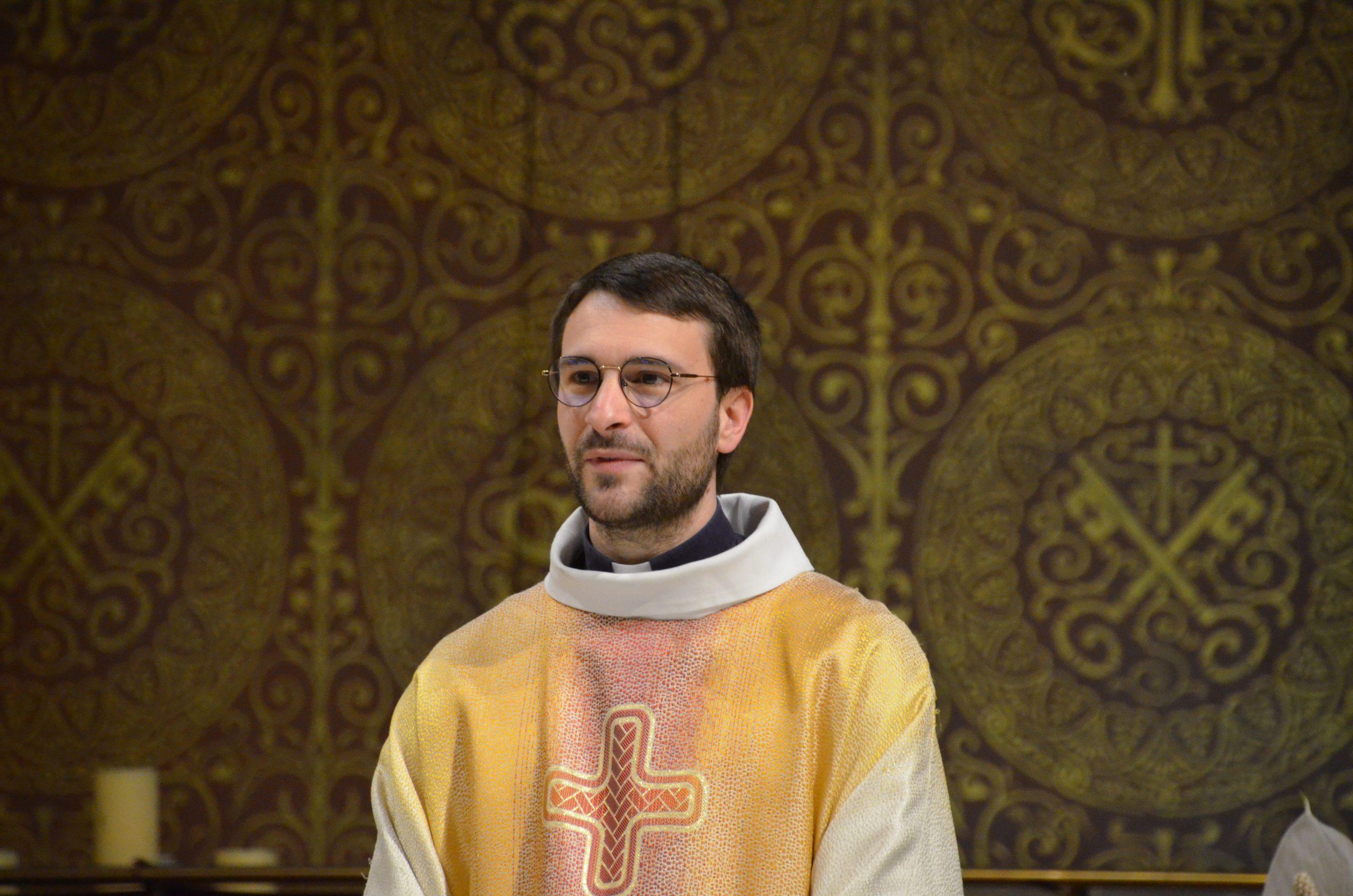 Messe du 13 décembre : 3ème dimanche de l'Avent. homélie du Père Philippe Perraud, vicaire