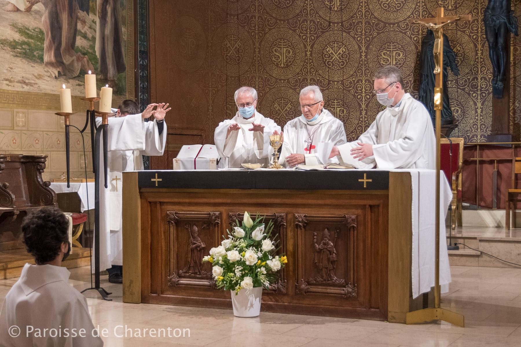 Samedi 5 juin à 17h30 : messe  en mémoire de Mgr Surat en l'église St-Pierre